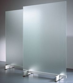 VIP Glass Room Divider - Eisys