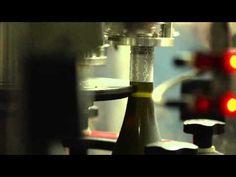 De Bortoli Wines launches Australia's first sparkling screwcap closure.
