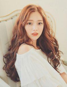 park seul She is pretty Curled Hairstyles, Girl Hairstyles, Park Seul, Bora Lim, Ulzzang Hair, Asian Hair, Dream Hair, Up Girl, About Hair