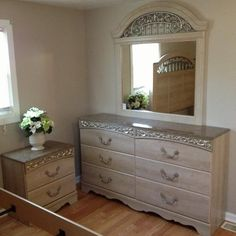 Home Meridian Modular 5 Piece Queen Bedroom Group | Cpm Studio   Home  Staging | Pinterest | Group Home, Detail And Furniture