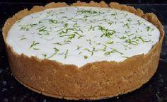 A Torta Mousse de Limão é uma sobremesa que vai agradar toda a família. Experimente! Veja Também: Torta Americana de Maçã Veja Também: Torta Farofa de Limã