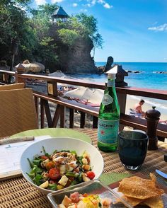 Happy Wednesday 🌴 Nestled on a natural cove just below Cap Maison, is The Naked Fisherman 🐟In keeping with the relaxed atmosphere, simply relax with a good meal and a drink while listening to the waves. Saint Lucia is known across the Caribbean for her rich culinary traditions. You'll experience a palette of flavours that are spicy, warming, and comforting. 📷 iammichaelmarrs 📍Cap Maison, Saint Lucia #SaintLucia #LetHerInspireYou Happy Wednesday, Caribbean, Naked, Relax, Warm, Nature, Naturaleza, Nature Illustration, Off Grid
