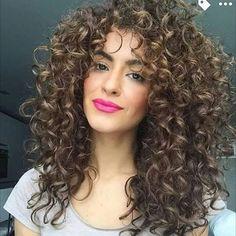 So cute curls!