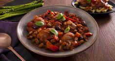 The family will thank you for this hearty Italian-inspired dinner! Recipe from Sprinkles & Sprouts. Cooking Time, Cooking Recipes, Chicken Cacciatore, Best Italian Recipes, Looks Yummy, Chicken Seasoning, Dinner Recipes, Dinner Ideas, Winter Food
