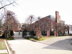 Anita Baker house Grosse Pointe Michigan - Grosse Pointe Michigan home pictures