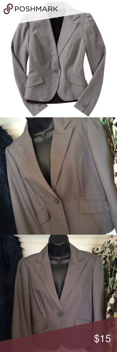 Old Navy Gray Blazer Old Navy Gray Blazer.                                            Brand new. Never worn. Old Navy Jackets & Coats Blazers