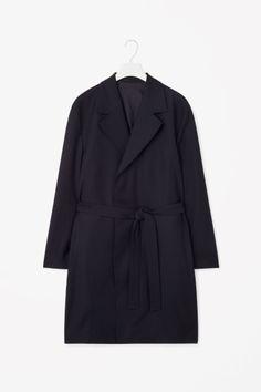 wide lapel trench coat