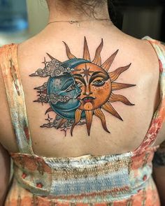 Sun and moon tattoo meaning is very inspiring and fascinating for people who like to have tattoos of heavenly bodies on their bodies. Kunst Tattoos, Body Art Tattoos, Small Tattoos, Tatoos, Big Cover Up Tattoos, Moon Sun Tattoo, Sun Moon, Geometric Tatto, Tattoo Mond