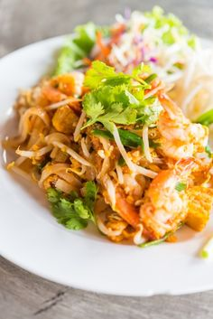 Thai Stir Fry  Entire recipe makes 4 servings Serving size is about 1 1/2 cups Each serving = 7 Points +