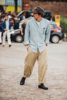 Street style: the best looks from Pitti Uomo in Florence street style pitti uomo florence meilleurs looks hommes femmes tendance mode printemps ete 2019 31 Printemps Street Style, Spring Street Style, Look Fashion, Mens Fashion, Fashion Outfits, Fashion Styles, Fashion Kids, Street Fashion, Fashion Trends