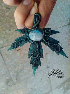 Pendentif feuille collier féerique elfique pendentif