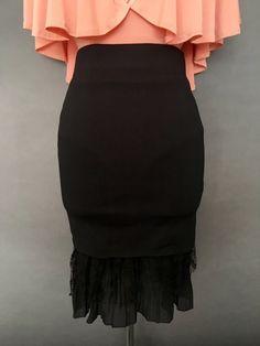Falda negra estilo tubo con olán - OH MY! STORE