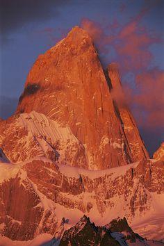 ✮ Cerro Fitzroy in morning light - Patagonia, Argentina