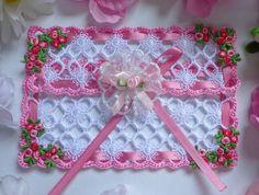 crochet card-gift envelope What a pretty idea.  Ebay