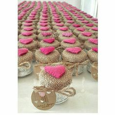 30 New Ideas For Baby Shower Ideas Gender Neutral Themed Parties Fall Burlap Crafts, Diy And Crafts, Wedding Favours, Wedding Gifts, Craft Gifts, Diy Gifts, Mason Jar Crafts, Baby Decor, Marie Claire