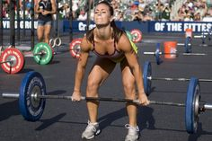 Elite CrossFit athlete Camille Leblanc Bazinet talks with us about training, diet and more. Fitness Inspiration, Crossfit Inspiration, Weight Lifting, Weight Training, Michelle Lewin, Lose Fat, How To Lose Weight Fast, Reduce Weight, Camille Leblanc Bazinet