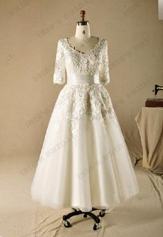 Discount New 2014 Vintage Plus Size V-neck A-line Lace 3/4 Sleeve Tea Length Champagne Wedding Dresses Online with $152.59/Piece   DHgate