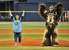 """What Makes You Love The """"Chewbacca Mom"""""""