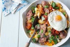 sausage and squash hash: it's cheap, easy and delicious! Easy Dinners, Quick Easy Meals, Soul Food, Food Pictures, Squash, Yum Yum, Cake Recipes, Sausage, Food And Drink
