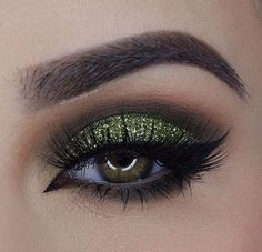I spy with my green eye.. @miaumauve is rockin our green world  #colorobsession #worthit