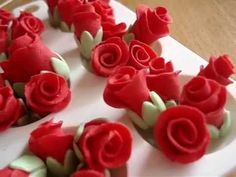 Mini Fondant / Modelling Paste Red Roses Cupcake Topper - how to on my c...