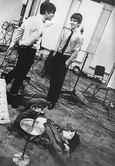 This picture's fantastic, George is being kinda awkward, John's got his glasses and a sweater, Paul's just hanging out on the floor, l love it