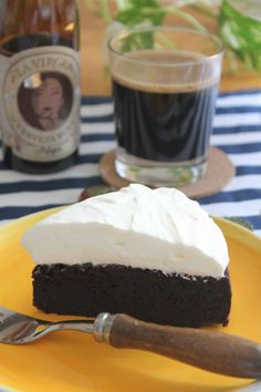 #food #foodie #dessert #sweet #cake #beer #blackbeer #CasimiroMahou #Mahou