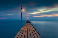 まるで地球の果てへと続く道。本当は教えたくない絶景の桟橋「原岡海岸」とは | RETRIP[リトリップ]