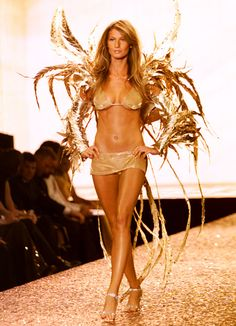 Victoria's Secret Fashion Show 2000 from Gisele Bündchen's Top Runway Moments  This is her golden moment.