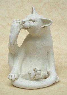 Jaspurr Washing Cat Portland Stone Resin