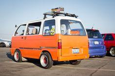 Japanese Cars, Vintage Japanese, Suzuki Carry, Kei Car, Mini Trucks, Van Camping, Vintage Vans, Van Life, Cars And Motorcycles