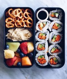 Obsessed with bento boxes! Lunch time with vegan sushi and hummus…of course! Obsessed with bento boxes! Lunch time with vegan sushi and hummus…of course! Healthy Snacks, Healthy Eating, Healthy Life, Vegan Life, Healthy Meal Prep, Healthy Skin, Food Porn, Food Goals, Aesthetic Food