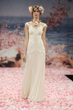 this boho dress is perfect for an outdoor wedding