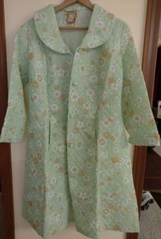 fc9c1c4724 Details about Robe House Coat Quilted Polyester Mint Green Floral Italian  Kitsch Vtg New