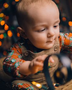 Taking Christmas photos of your 9 month old nephew is when you learn that reaching for Christmas lights and trying to eat them has 100% of his attention and nothing you do will persuade him otherwise... NOTHING  #lookslikefilm #childhoodunplugged #instagood#sonyphotos #easttnphotographer #nephew #christmaslights #pixel_kids #photooftheday #picoftheday #beyondthewanderlust #portraitmood #candidchildhood #quitethechaos #portraitperfection #knoxvillephotgrapher #magicofchildhood #lightcaptured…