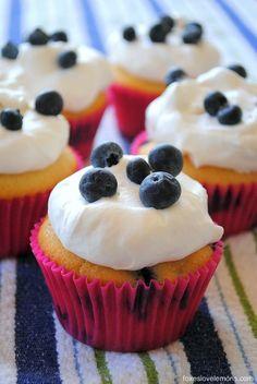 Blueberries & Cream Cupcakes (Martha Stewart)