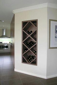 Bodega de vino incrustada en la pared