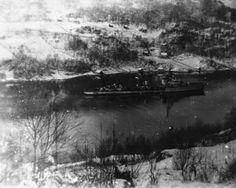 Lokalhistorisk biletsamling i Tysnes: Tysk krigsskip i Søreidsvågen