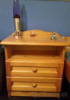 Drevený nočný stolík - 1