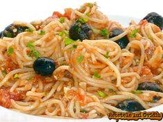 Paste cu ton si masline   Papamond Recipe Collector, Pizza Lasagna, Romanian Food, Foods To Eat, Broccoli, Good Food, Ale, Healthy Recipes, Ethnic Recipes