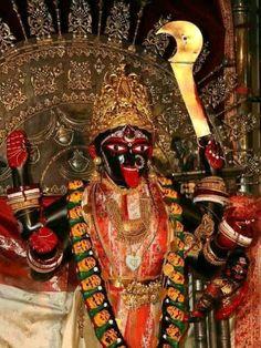 At the Feet of the Mother: Swami Vivekananda Kali Shiva, Kali Puja, Kali Hindu, Shiva Art, Shiva Shakti, Durga Puja, Maa Durga Photo, Maa Durga Image, Indian Goddess Kali