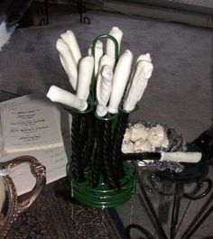 Licorice Wands - This page has a list of detailed recipes for Harry Potter food! #harrypotterparty