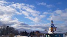 Wunderschöne kleine Kirche- blauer Himmel- Natur Russlands- free Video background-doku 2017