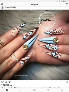 Best Stiletto Nails Designs, Ideas, Tips, For You Copyright Nail Designs Journal Bling Nails, Blue Stiletto Nails, Fancy Nails, Swag Nails, Cute Nails, Pretty Nails, My Nails, Nails On Fleek, Geometric Nail Art