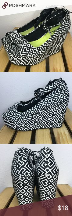 🆕 Black and White Wedges Never worn, but with no tags. Black and white geometric print really makes any dress pop! Wedged Sandals with ankle straps. H&M Shoes Wedges
