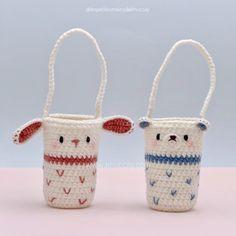 Lovely Water Bottle Holder - Khuc Cay Crochet Bee, Crochet Cord, Easter Crochet, Crochet Gifts, Crochet Designs, Crochet Patterns, Diy Crochet Projects, Bag Pattern Free, Crochet Toddler