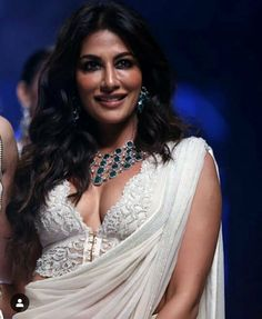Bollywood Actress Chitrangada Singh Walks the Ramp at Bombay Times Fashion Week Spring / Summer 2019 Indian Bollywood Actress, Bollywood Girls, Beautiful Bollywood Actress, Indian Actresses, Beautiful Girl Indian, Most Beautiful Indian Actress, Beautiful Women, Chitrangada Singh, Indian Beauty Saree
