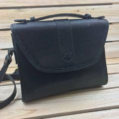 Sac à bandoulière Vintage Timberland en cuir noir. Ce sac est dans un État  incroyable 251b47b23b28
