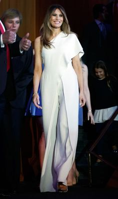Melania Trump is an ugly bitch (can we stop pretending shes attractive) but the outfit slays