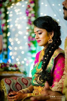 53 Ideas Indian Bridal Hairdo Front For 2019 South Indian Wedding Hairstyles, Bridal Hairstyle Indian Wedding, Bridal Hairdo, Braided Hairstyles For Wedding, Hairdo Wedding, Saree Hairstyles, Side Braid Hairstyles, Ethnic Hairstyles, Bride Hairstyles